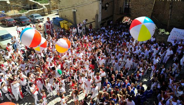 Momento del día del cohete de las fiestas de Artajona el pasado 7 de septiembre.