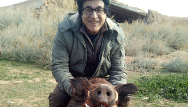 foto de Francisco Javier Rández, con el jabalí.