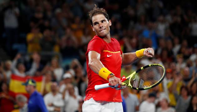 foto de Nadal celebra su victoria en la semifinal de la ATP Cup