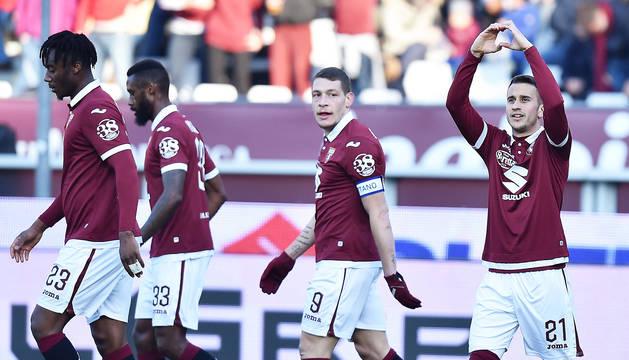 Álex Berenguer dedica el tanto anotado que dio el triunfo al Torino contra el Bolonia.