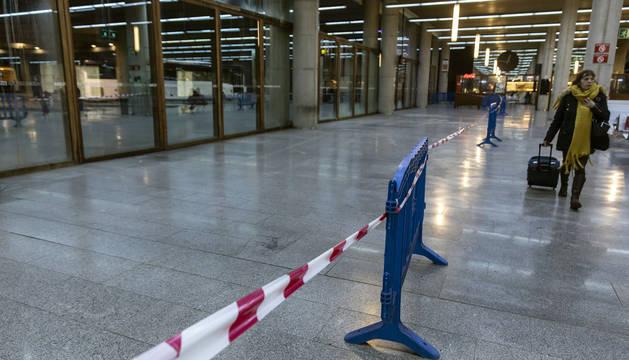 Foto de vallas en la estación de autobuses de Pamplona.