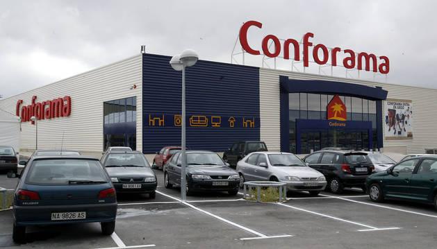 Foto de la tienda de Conforama en el centro comercial Galaria.