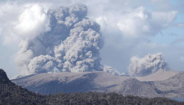 Filipinas mantiene la alerta por el volcán Taal, que ya ha desplazado a 30.000 personas
