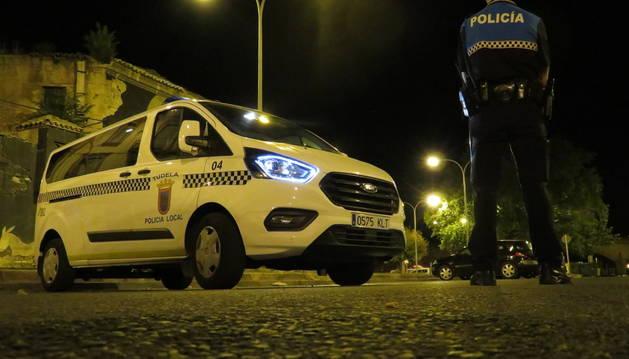 foto de Patrulla de la Policía Local de Tudela en un control nocturno