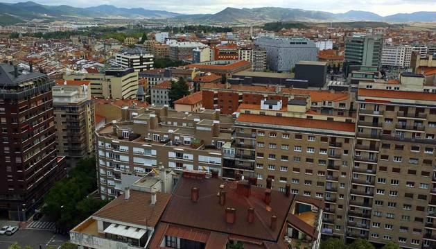 Foto de viviendas del primer Ensanche y el Casco Antiguo desde el edificio Singular.