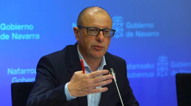 foto de El consejero de Educación, Carlos Gimeno
