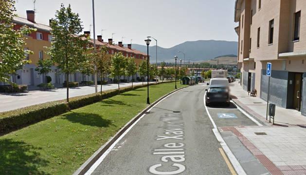 Acceso a la calle Xabier Mina de Noáin donde se produjo uno de los atropellos.