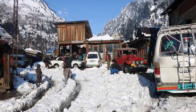 foto de Al menos 93 muertos por las peores nevadas en 30 años en Pakistán