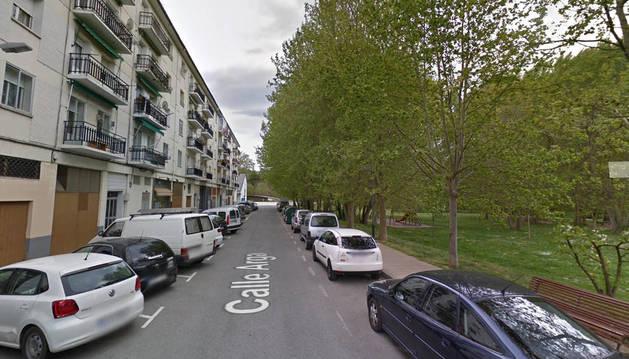 El conductor sufrió un accidente en la calle Arga de Villava.