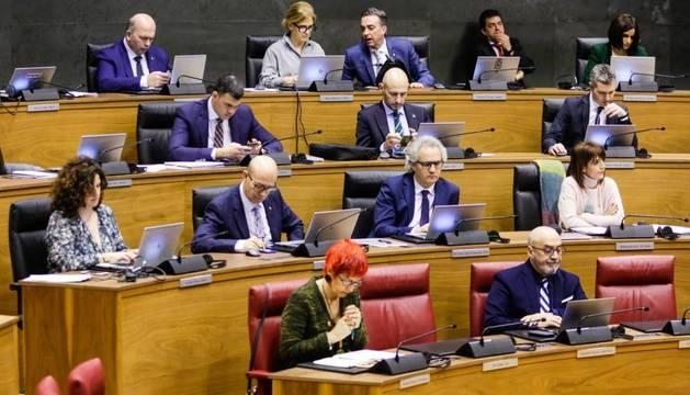 Vista del Pleno del Parlamento de Navarra de este jueves.