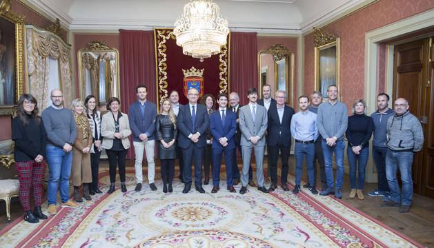 El Ayuntamiento recibe a Juan Abascal, Premio Internacional Everis a la innovación