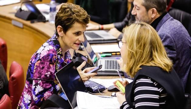 María Chivite conversa con Arantza Biurrun.