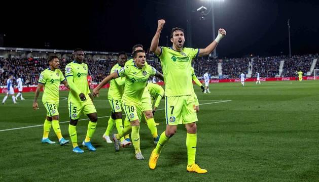 Imagen de Jaime Mata celebrando el tercer gol del Getafe en Butarque.