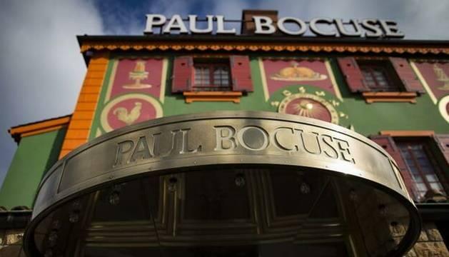 foto de Vista de la fachada del restaurante 'L'Auberge du Pont', del chef francés Paul Bocuse, en Lyon