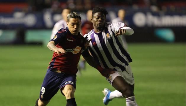 El jugador de Osasuna, 'Chimy' Ávila, en un momento del partido disputado ante el Valladolid en El Sadar.