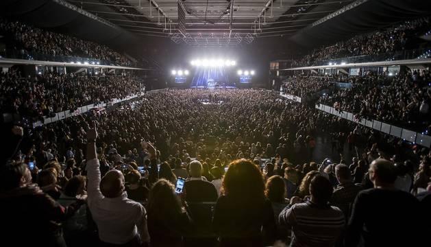 Fotos de la gira Yo fui a EGB en el Navarra Arena, a su paso por Pamplona.
