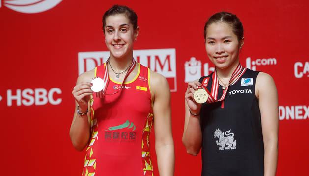Ratchanok Intanon y Carolina Marin, con sus medallas tras la final.