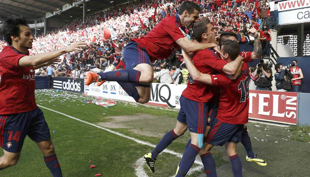 Foto de Osasuna, marcando un gol al Betis en aquel partido de 2014.