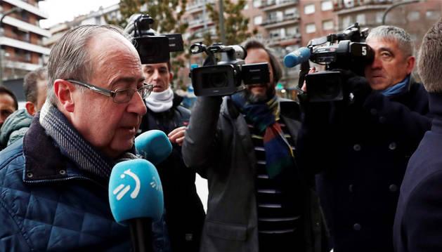El exgerente de Osasuna Angel Vizcay, llega a la Audiencia Provincial de Navarra.