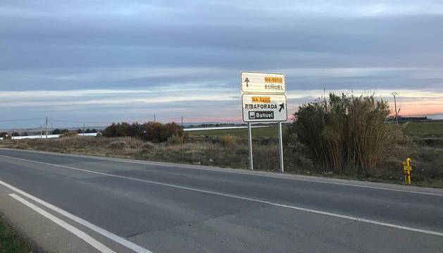 Zona donde se proyecta el nuevo parque eólico de Buñuel, junto a la carretera que da acceso a la localidad desde la autovía.