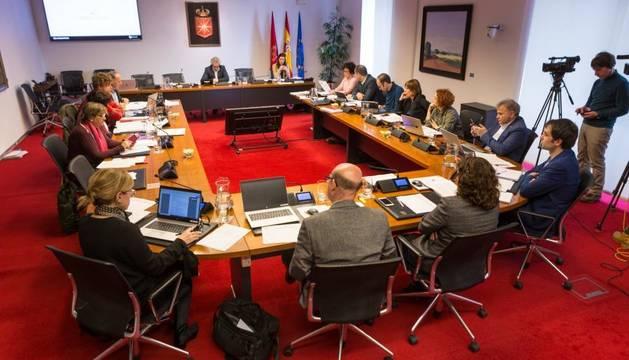 Comisión de Presidencia, Igualdad, Función Pública e Interior en el Parlamento de Navarra.