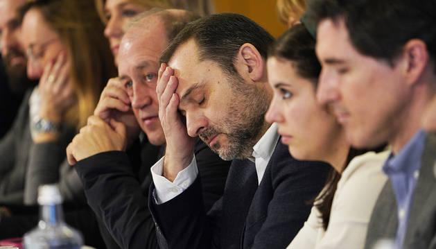 José Luis Abalós, pensativo durante el Comité Nacional de los socialistas gallegos celebrado en Santiago de Compostela.