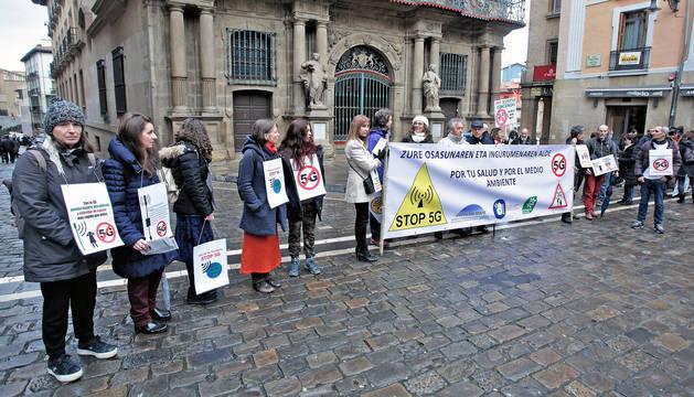 foto de Protesta en Pamplona contra las redes 5G