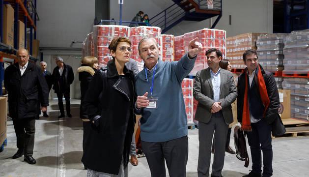 Chivite, durante su visita a las instalaciones del Banco de Alimentos de Navarra.