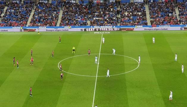 Real Sociedad y Osasuna, al inicio del choque.
