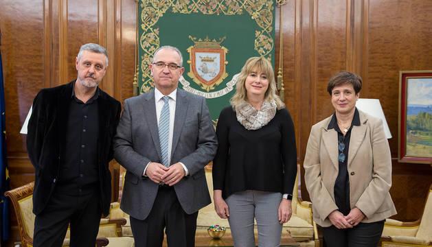 Martín Zabalza, Enrique Maya, Ana Ollo y Ana Elizalde.