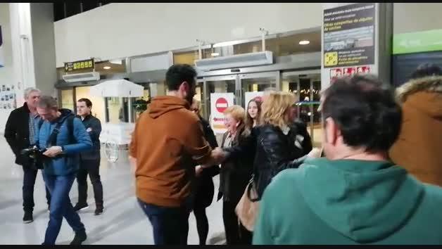 Vídeo del recibimiento a Iosu Goñi en el aeropuerto de Noáin