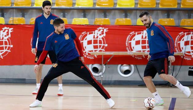 El ala-pívot de Osasuna Magna, Rafa Usín, en uno de los entrenamientos, de esta semana, con la selección española.
