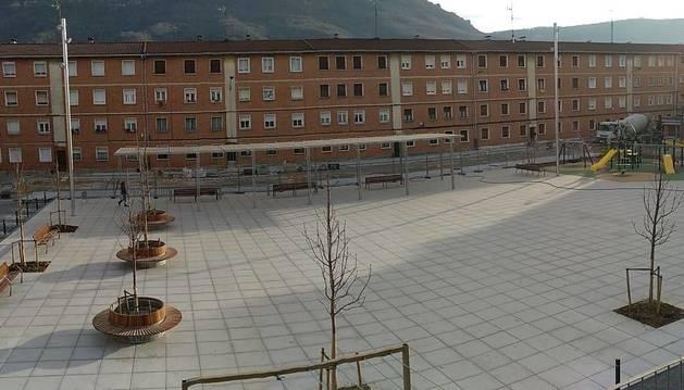 Imagen de la plaza Zumalakarregi, tras la remodelación llevada a cabo.