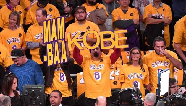 Los homenajes a Kobe Bryant se suceden.