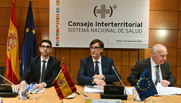 Foto dell ministro de Sanidad, Salvador Illa, presidiendo el 4 de febrero en Madrid el Consejo Interterritorial del Sistema Nacional de Salud.