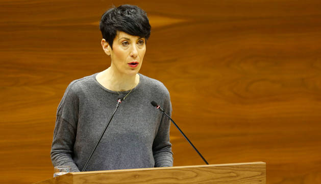 foto de  La consejera de Economía y Hacienda del Gobierno de Navarra, Elma Saiz, en un pleno anterior