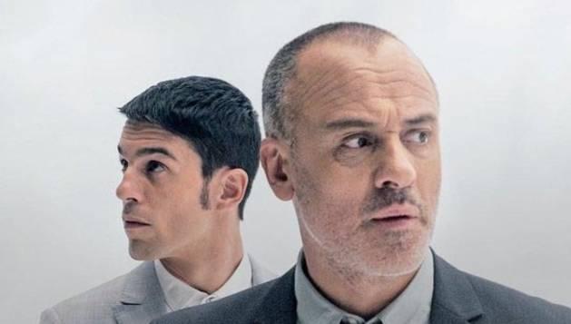 Foto de Alejo Sauras y Javier Gutiérrez, protagonistas de la serie 'Estoy vivo'.