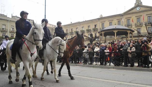 Cientos de personas participaron en los diferentes actos programados en la jornada central de las ferias
