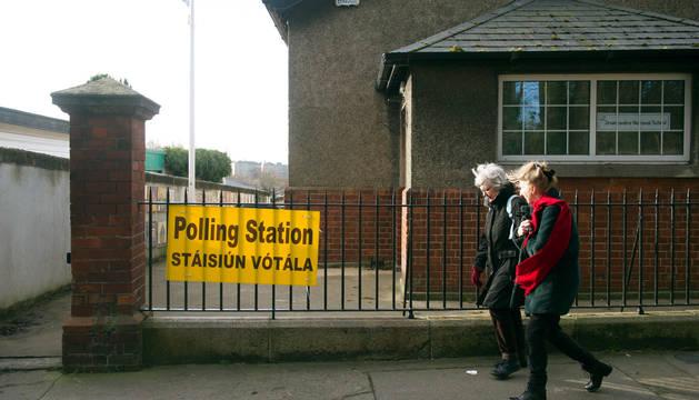 Triple empate en las elecciones irlandesas según los sondeos a pie de urna