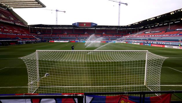 Aspecto que presentaba El Sadar minutos antes del inicio del partido Osasuna-Real Madrid.