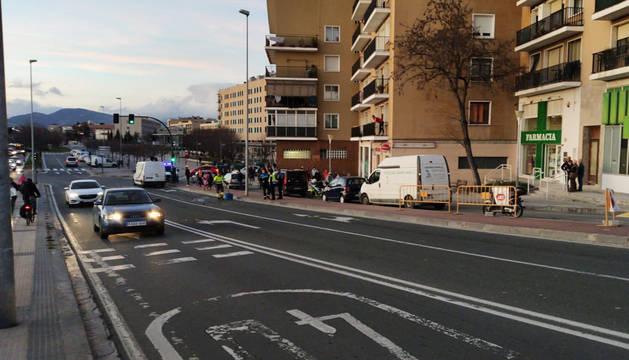 Dos jóvenes, un chico y una chica, resultaron heridos este lunes 10 de febrero tras sufrir un atropello en el puente de Cuatrovientos.
