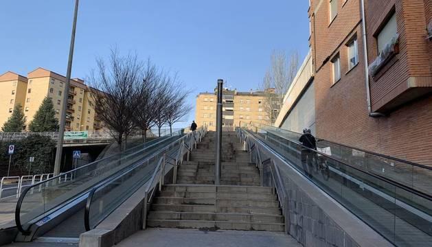 Un día más, problemas en las escaleras mecánicas de Azpilagaña