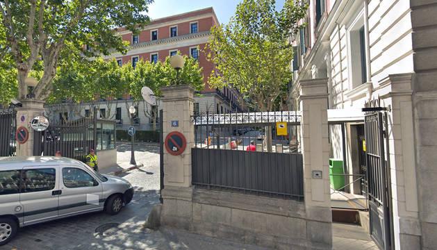 El Regimiento de Infantería Inmemorial del Rey número 1 en el que estaba destinado el soldado es una unidad asentada en el cuartel general del Ejército de Tierra, ubicado en el Palacio de Buenavista de Madrid.