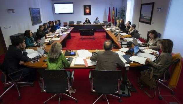 Foto de la comisión parlamentaria de Economía y Hacienda.