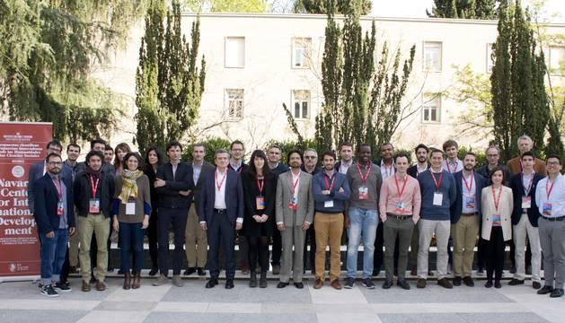 Foto del equipo del NCID junto a varios ponentes del Research Workshop celebrado en abril de 2019.