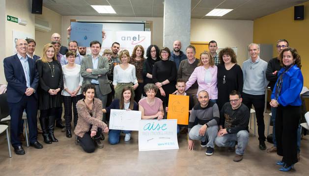 foto de Socios y promotores de los nuevos proyectos de 2019 se fotografiaron con los responsables de ANEL y la directora gerente del SNE.