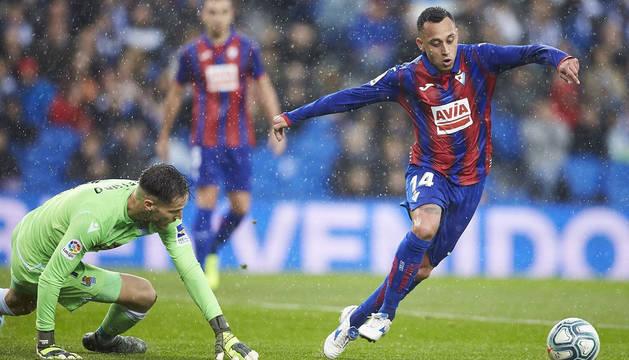 foto de Un partido anterior del Eibar contra la Real Sociedad