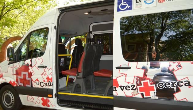 foto de Uno de los vehículos adaptados de Cruz Roja