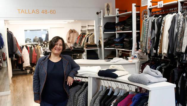 Ana Sánchez convirtió hace 26 años la droguería de sus padres en una boutique de tallas grandes en la calle Gorriti.