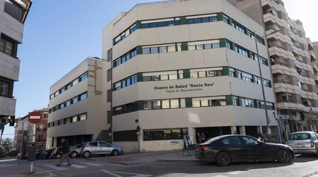 Imagen general del centro de salud Santa Ana, ubicado en la calle Juan Antonio Fernández y que se va a reformar parcialmente.